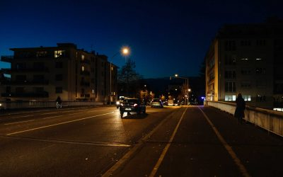 How Connected Lights Can Make Pedestrians Visible and Avoid 'Blind Spots'